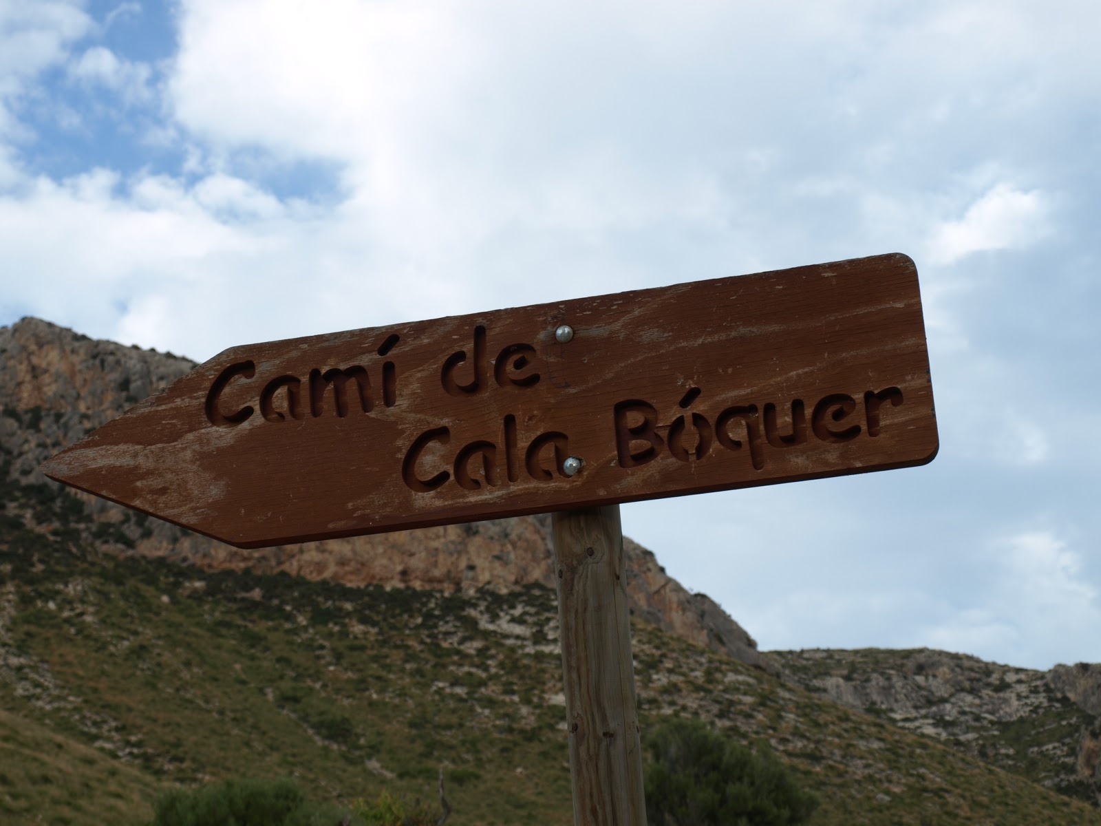 001 Cala Boquer sign