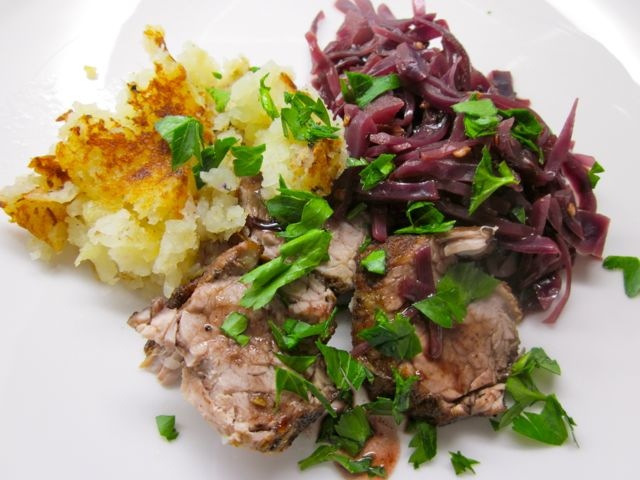 pork-tenderloin-on-red-cabbage